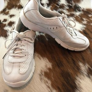 Clarks Hedge Manor 2 White Leather Sneakers 8